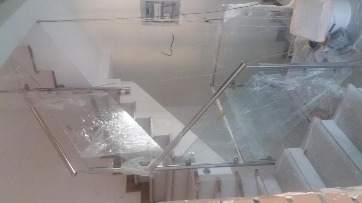 Ограждения из нержавейки со стеклом 3