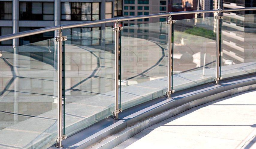 ограждение для окрыши из стекла
