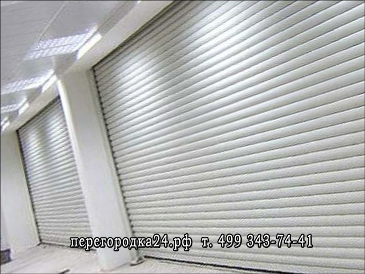 Защитные жалюзи устанавливают на оконные или дверные проемы