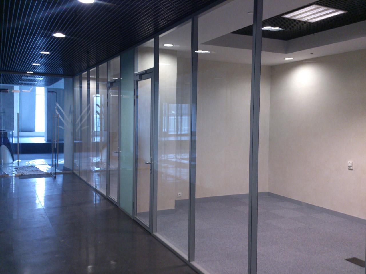 стеклянные офисные перегородки